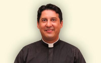 Padre Alex Sandro Santos Leal